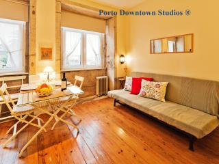 Porto Downtown Studio 2 - Cosy - Porto vacation rentals
