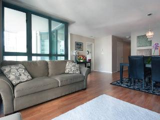 Beautiful Luxury View 2 Bed + office Coal Harbour - Vancouver vacation rentals
