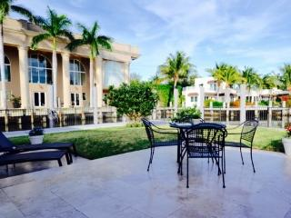200 water front, gated community, walk to beach - Fort Lauderdale vacation rentals