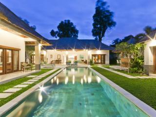 5/6 bedroom Villa  in the heart of Seminyak Bali - Seminyak vacation rentals
