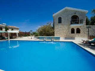 Argaka - Outstanding Villa - Large Pool - Jacuzzi - Argaka vacation rentals