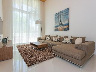 Luxurous 2BR Apartment in the Heart of Aventura - Aventura vacation rentals