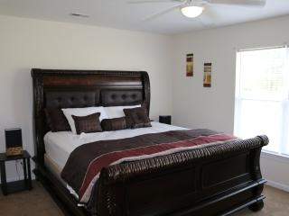 Nice 3 Bedroom Apartment Located On Golf Course - Greenville vacation rentals