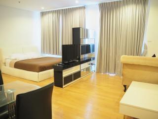 BEAUTIFUL CONDO IN SATHORN BANGKOK! - Bangkok vacation rentals