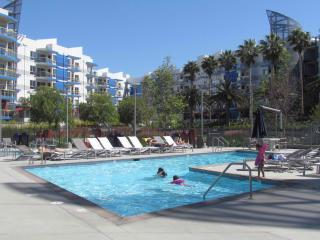 Walk to the Beach resort style up to 6 people - Marina del Rey vacation rentals