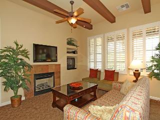 An Upstairs Two Bedroom Villa with a South Facing Balcony Close to the Pool! - La Quinta vacation rentals