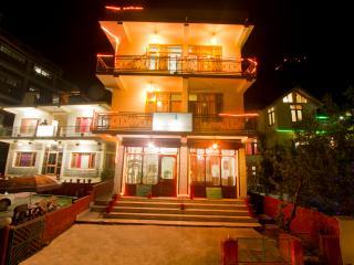 Cheap Hotel & Cottage Manali - Manali vacation rentals