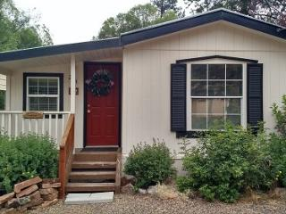 Cascade lake family cabin close to town and the lake. - Donnelly vacation rentals