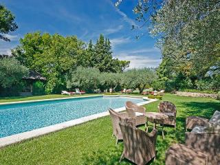 Domaine de la Tour, Sleeps 4 - Aix-en-Provence vacation rentals