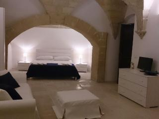 APARTMENT IN THE OLD TOWN OF LECCE - Lecce vacation rentals