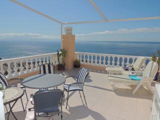 LUXURY APARTMENT WITH SPECTACULAR VIEW. 3 - Acantilado de los Gigantes vacation rentals
