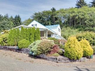 Tranquility in a rural setting awaits up to 12 lucky guests - Cloverdale vacation rentals
