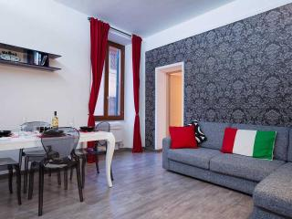 Trastevere Luxury Fab Apartment In The Center! - Rome vacation rentals