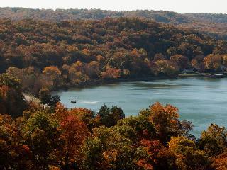 Fall Colors Specials 50% OFF BOAT RENTALS - Lake Ozark vacation rentals