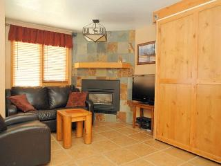 A very nice one bedroom at the Iron Horse Resort. Sleeps 6 - Winter Park vacation rentals