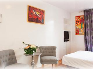 Central Parisian Studio Apartment Rental - Paris vacation rentals