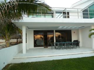 Beach Front Villa - Spanish Lookout vacation rentals