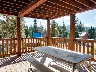 Amazing 18-person lodge w/private sauna, pets OK! - Government Camp vacation rentals