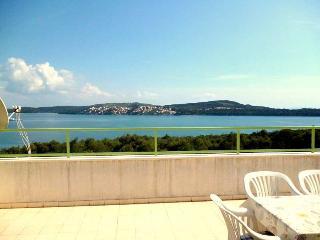 7202  A2(4+2) - Seget Donji - Seget Donji vacation rentals