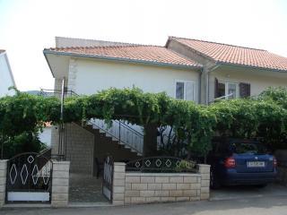00103STAR  A1-Tirkizni(3+1) - Stari Grad - Stari Grad vacation rentals