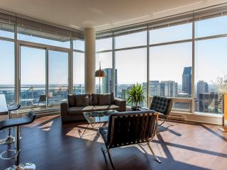 LUXURY  QUARTIER des SPECTACLE   2 BEDROOM 2 BATH - Montreal vacation rentals