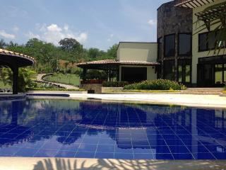 SPECTACULAR MODERN HOLIDAY HOME NEAR MEDELLIN - Amaga vacation rentals