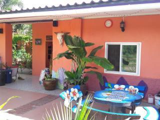 Country vacation house - Tha Maka vacation rentals