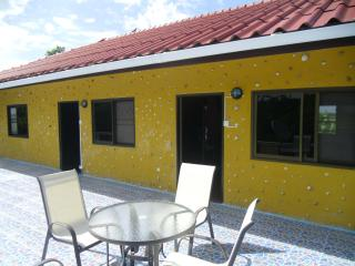 country appartment - Tha Maka vacation rentals