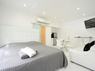 Lincoln Rd Studio Apartment - Coconut Grove vacation rentals