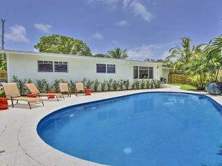 Amazing Fully Renovated Pool Home minutes from dow - Fort Lauderdale vacation rentals