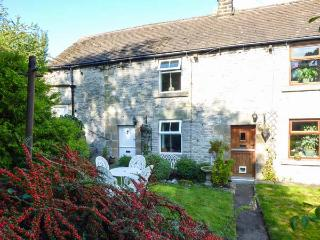 ELDER BANK, romantic, character holiday cottage, with open fire in Bradwell, Ref 1609 - Bradwell vacation rentals