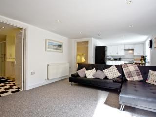 Devon Villa Garden Apartment located in Torquay, Devon - Torquay vacation rentals