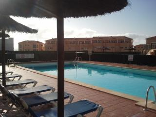 Lovely apartment with sea views, golf, WIFI, SATTV - Caleta de Fuste vacation rentals