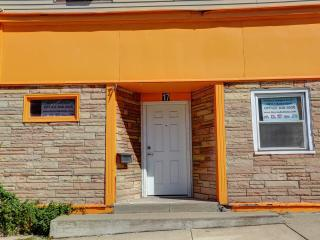 FULLY FURNISHED STUDIO, FREE WIFI, CABLE, TV, KITC - Buffalo vacation rentals