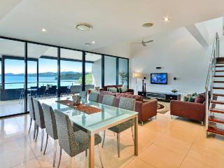 Edge 20 - Hamilton Island vacation rentals