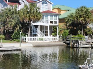 Canal Waterfront-6BR-Golf Cart,Kayak,Dock,Internet - Ocean Isle Beach vacation rentals