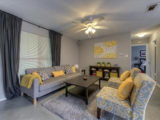 2 Bedroom Modern - Rent 1 or 2 Sides - Austin vacation rentals