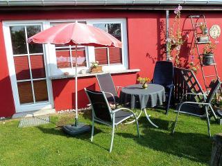Vacation Bungalow in Stralsund - 248 sqft,   (# 3858) - Stralsund vacation rentals