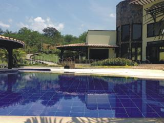 SPECTACULAR MODERN HOLIDAY HOME IN MEDELLIN - Amaga vacation rentals