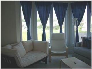 Sunset Bay Villa 221 - Image 1 - Chincoteague Island - rentals